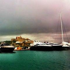 Photo taken at Cafe Sydney Ibiza by Simon S. on 10/20/2012