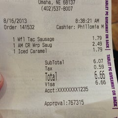 Photo taken at Taco Bell by Seth P. on 8/16/2013