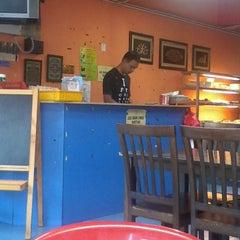 Photo taken at Restoran Halelah by AE® on 11/27/2013
