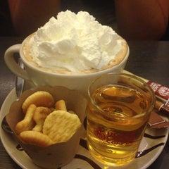 Photo taken at Black Canyon Coffee (แบล็คแคนยอนคอฟฟี่) by Nupeer on 6/25/2015