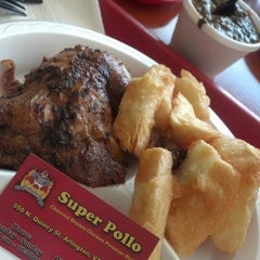 Photo taken at Super Pollo by Carilu T. on 5/2/2014