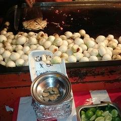 Photo taken at Tacos Arenal (Los Naranjas) by Pedro M. on 10/17/2014