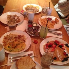 Photo taken at Wildberry Pancakes & Cafe by Juju A. on 5/26/2013