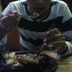 Photo taken at Kampoeng Steak by Husin S. on 8/17/2013