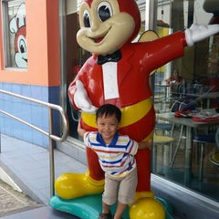 Photo taken at Jollibee by Mitch H. on 8/7/2015
