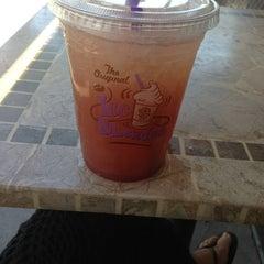 Photo taken at The Coffee Bean & Tea Leaf® by Georgiana Y. on 6/21/2013