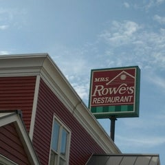 Photo taken at Mrs. Rowe's Restaurant by Rick S. on 9/16/2012