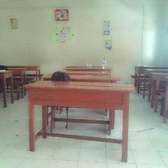 Photo taken at VIII Bilingual SMP (SLUB) Saraswati 1 Denpasar by Ika W. on 11/6/2013