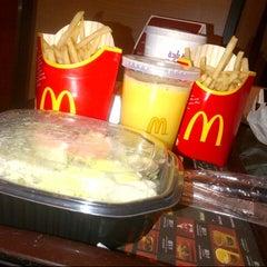 Photo taken at McDonald's   ماكدونالدز by Moon S. on 6/11/2013