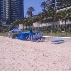 Photo taken at Monaco Beach Resort by Pablo L. on 10/25/2014
