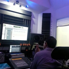 Photo taken at Prosantana Recording Studio, Creative Gallery by Che R. on 7/15/2014