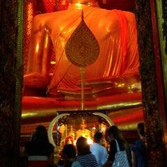Photo taken at วัดพนัญเชิง อยุธยา by Chaipisit ช. on 1/13/2015