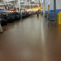 Photo taken at Walmart Supercenter by Wander A. on 5/18/2014