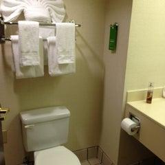 Photo taken at Hampton Inn & Suites Atlanta Airport North by Neek L. on 3/29/2013