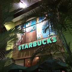 Photo taken at Starbucks by |P5s |. on 6/2/2013