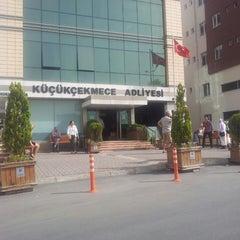 Photo taken at Küçükçekmece Adliyesi by Mustafa D. on 5/30/2013