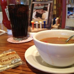 Photo taken at Cracker Barrel Old Country Store by VisuaLStimuluS A. on 3/27/2013