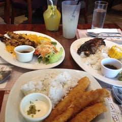 Photo taken at Bigby's Café & Restaurant by Kaye H. on 8/22/2015