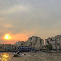 Photo taken at ท่าวัดมหาธาตุ (Wat Mahathat Pier) by รองเท้า ค. on 4/13/2015