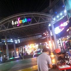 Photo taken at 라페스타 (Lafesta) by 세경(Sekyung 010-3770-7258) 이. on 7/4/2014
