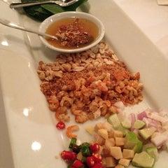 Photo taken at myElephant Thai Restaurant by Angie💋 G. on 11/16/2012