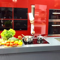 Photo taken at Harvey Norman by Chef Z. on 6/4/2015