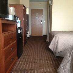 Photo taken at Comfort Inn by Heather L. on 8/3/2013