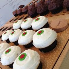 Photo taken at Sprinkles Cupcakes by Justin V. on 5/10/2013