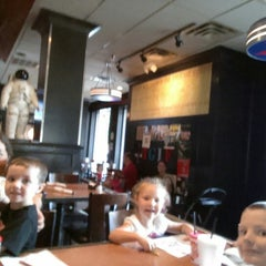 Photo taken at TGI Fridays by Jonathan H. on 9/15/2014