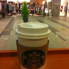 Photo taken at Starbucks Coffee クリスタ長堀店 by Masami on 2/11/2012