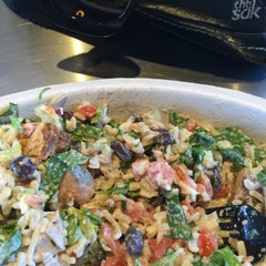 Photo taken at Chipotle Mexican Grill by Cheearra E. on 9/19/2015