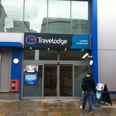 Photo taken at Travelodge by Felo H. on 9/6/2013
