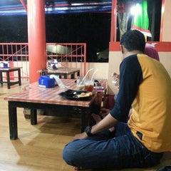 Photo taken at Kedai Mendoan by Rina H. on 9/13/2013