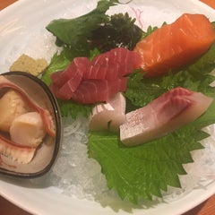 Photo taken at 酒吞 | Sasano Sushi House by 충열 이. on 6/4/2015