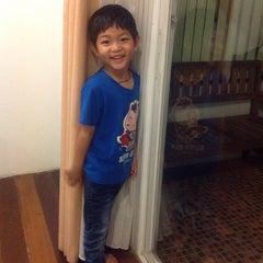 Photo taken at โรงแรมบ้านต้นไม้ (The Tree House Hotel) by หมูย่าง ก. on 10/30/2014