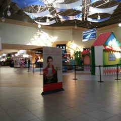 Photo taken at Coral Square by Eduardo E. G. on 12/27/2012
