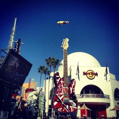 Photo taken at Universal CityWalk by Victor D. on 6/26/2013