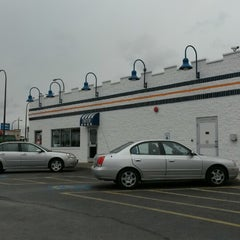 Photo taken at White Castle by Dianne 💞 on 9/15/2014