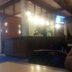 Photo taken at Restoran Kedai Kopi by Asrolnizam on 12/15/2015