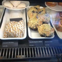 Photo taken at Starbucks by Key M. on 9/1/2013