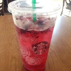 Photo taken at Starbucks by Virydiana P. on 7/30/2014