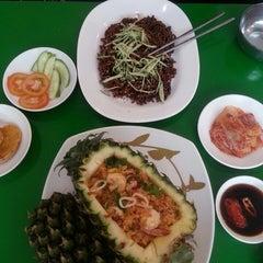 Photo taken at Yoki - Korean Food by Norin H. on 12/1/2013
