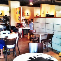 Photo taken at Redtree Art Gallery and Coffee Shop by Darlene B. on 7/2/2013