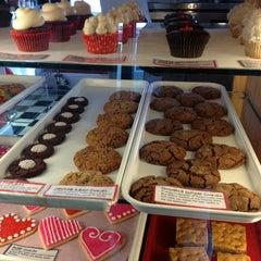 Photo taken at Lola Cookies & Treats by Rhonda W. on 1/23/2013