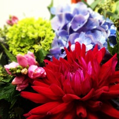 Photo taken at Church Street Flowers by Shanti C. on 8/28/2013