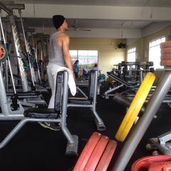 Photo taken at AL-FALAH Gym & Fitness Club by Hazry H. on 5/6/2014