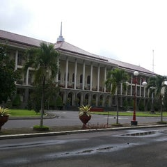 Photo taken at Gedung Pusat UGM by Inung H. on 12/27/2014