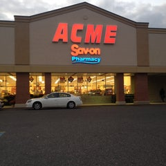 Photo taken at ACME Markets by Elany J. on 9/27/2013