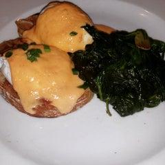 Photo taken at Vivace Italian Restaurant by Ashley B. on 12/28/2014