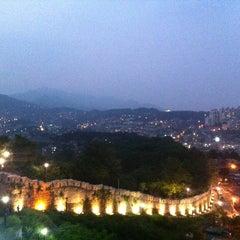Photo taken at 낙산공원 (Naksan Park) by Veca K. on 6/14/2013